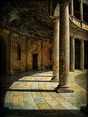 Peristilo (osolev) Tags: espaa spain europa europe andalucia alhambra granada textured palacio columnas peristilo osolev thegoldenphoenix mygearandme mygearandmepremium darwood67