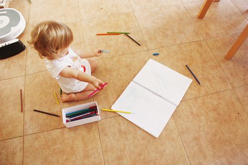 Enya y los lapices de colores