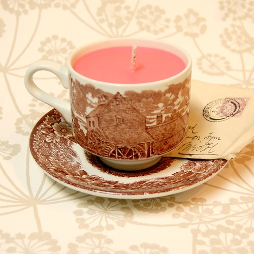 Handmade Vintage Teacup Candle by gracefaceboutique
