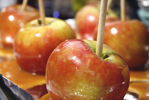 Honey-Vanilla Caramel Apples