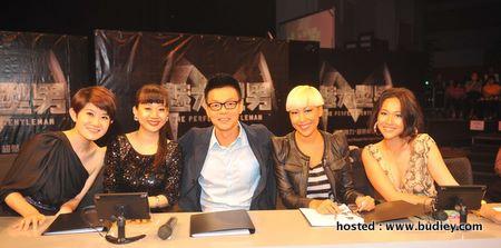 Judges (L-R) Jane Wong, Jiang Pei Pei, Mark Lee, Gillian Hung, Debbie Goh