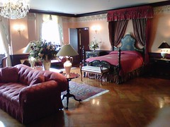 Queen's room