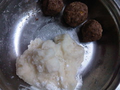 Bánh dẻo đậu đỏ, trứng muối 2