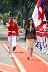 น.ส.ยิ่งลักษณ์ ชินวัตร นายกรัฐมนตรี เยือนประเทศอินโดนีเซียอย่างเป็นทางการเมื่่อวันที่ 12 กันยายน 2554 เพื่อสานสัมพันธ์ระหว่างประเทศทั้งทวิภาดีและพหุพาดี18991230193455