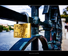 Magda + Jens = Happy Fence Friday .. .. ..[explored] (Borretje76) Tags: bridge holiday love water netherlands dutch fence river happy iso100 vakantie holidays republic czech prague steel sony kade nederland sigma praha explore slot friday 1020mm fenced schloss f8 enschede liebe liefde praag lovelock ijzer hek tsjechie reling groothoek hangslot lovelocks smeedijzer explored a580 vakation gupr borretje76 dslra580