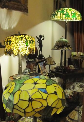 Kauniit vanhat lamput by Anna Amnell