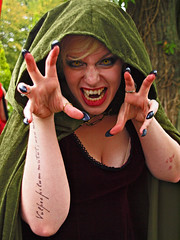Arcen, Elf Fantasy Fair 2011, This years Theme Vampires and Zombies, 189 (Andy von der Wurm) Tags: costumes portrait woman man holland male netherlands girl beautiful beauty closeup female scary women pretty cosplay vampire manga teen fantasy teenager mann zombies eff nahaufnahme mnner preteen arcen limburg elves niederlande elfen lolitas kostueme elffantasyfair maenner verkleidung kasteeltuin twen kostme hobbyphotograph elffantasyfestival andreasfucke kasteelltuin