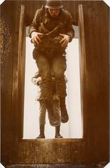 Fallschirmjger / paratroopers (jens.lilienthal) Tags: germany army oberbayern german 1980 heer 1979 ll lts 80er paratroopers jahre bundeswehr 70er lehrgang altenstadt ausbildung fallschirmspringen fallschirm lufttransport springerlehrgang luftlande fallschirmjger 1980er
