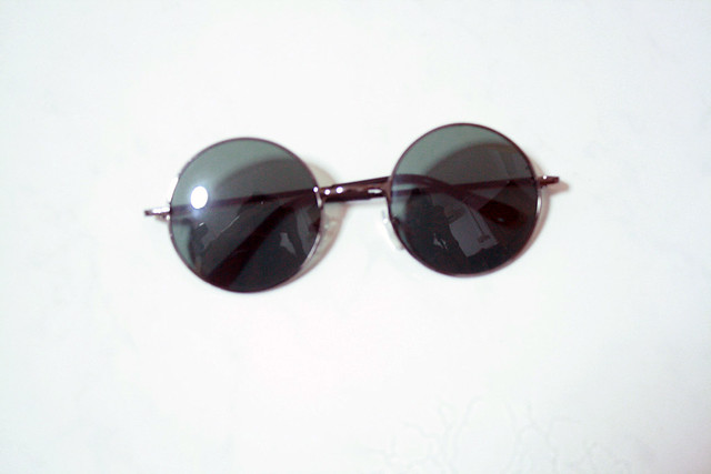 4. Personal (Round Sunglasses)