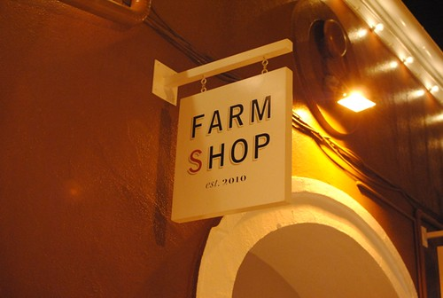 6193610640 91bb94b8c9 Fried Chicken @ Farmshop (Santa Monica, CA)
