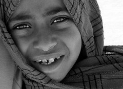 Faces of the Sina  (Richard Canten) Tags: travel portrait people bw man men girl child desert faces zwartwit egypt portret sinai egypte bedouin childeren 2011 sina  bedoeinen woestijnd richardcanten