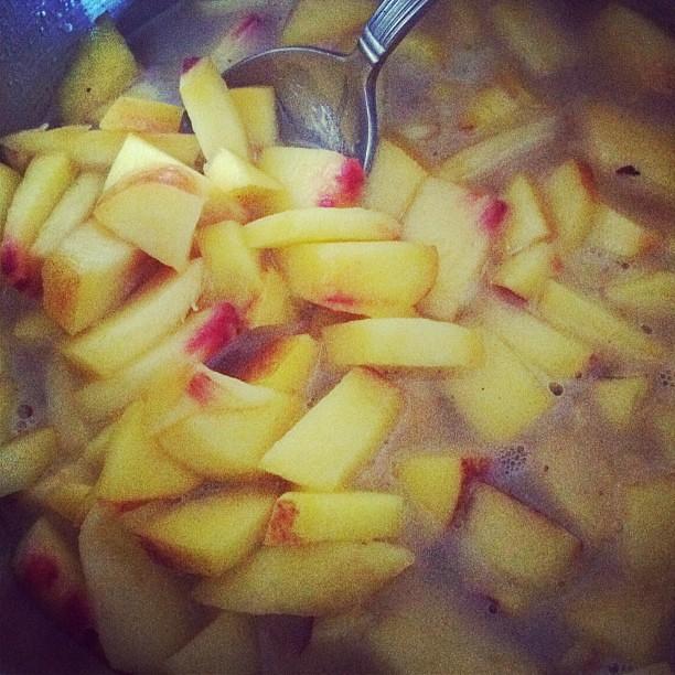 Simmering icewine sauce