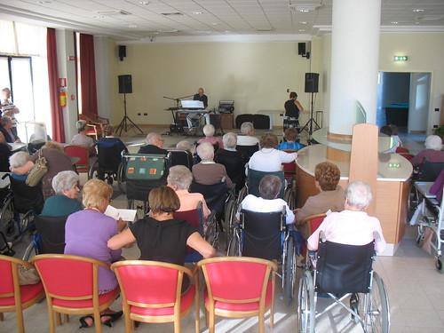 S.Chiara - eventi - festacompleanni - settembre - 2001 040