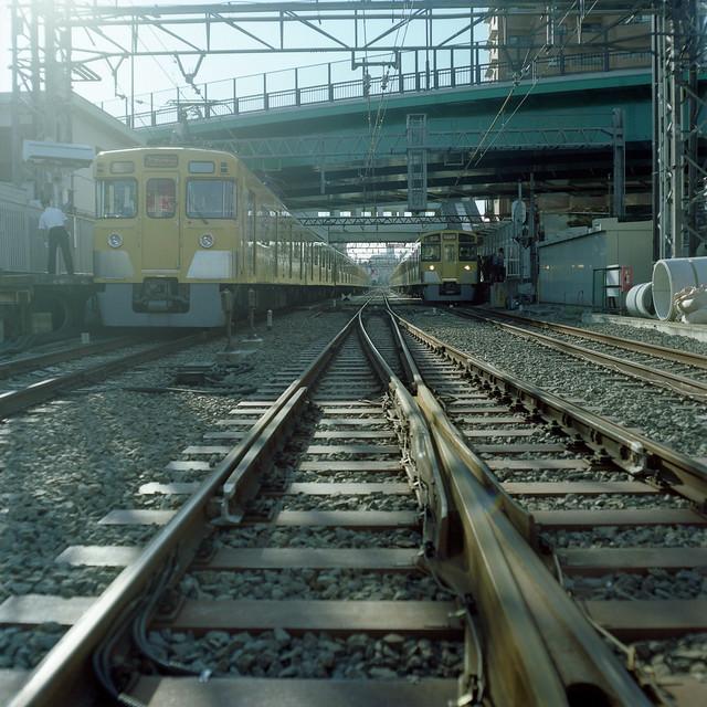 上下線の電車