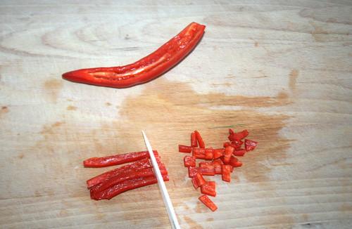 24 - Chili schneiden