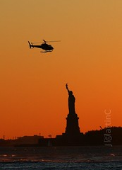 Libertad Asegurada (JMartinC) Tags: world travel sunset newyork liberty flickr best viajes mundo