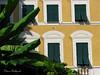 Maison (Domi Rolland ) Tags: jaune canon europe italia couleurs vert maison blanc italie rocco feuille recco 2011 g9