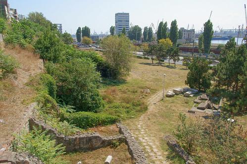 [Vedere spre mare de la edificiul Roman cu mozaic din Constanţa]