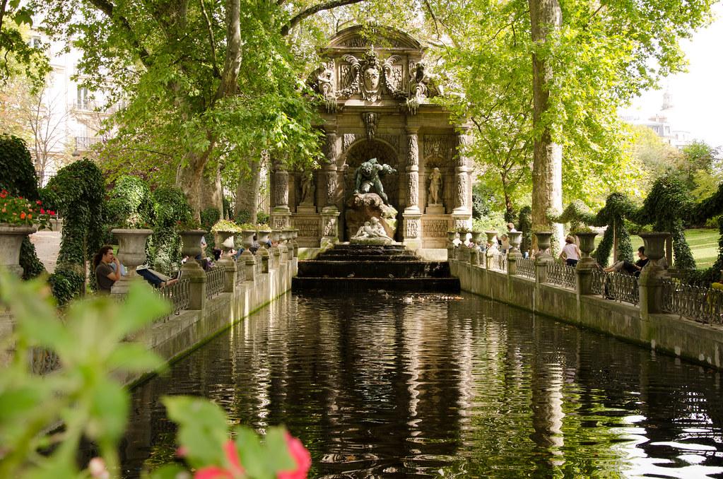 Le fantôme du jardin du Luxembourg — Et si on se promenait...