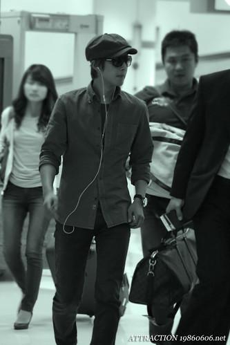 Kim Hyun Joong at Gimpo Airport [110920]