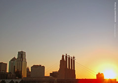 KC Skyline at Sunrise, 20 Sep 2011 (photography.by.ROEVER) Tags: skyline kansascity missouri kc kcmo downtownkansascity summitstreet bartlehall kansascitymo jacksoncounty kansascitymissouri downtownkc powerandlightbuilding onekansascityplace kansascityskyline kcskyline summitst bartlehallpylons downtownloop september2011 downtownkcloop