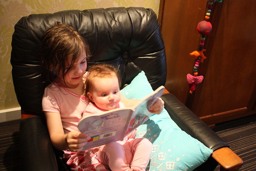reading after their bath by fede shop