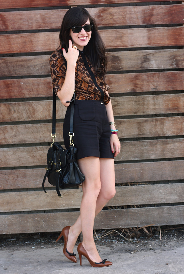 snake_blouse_sandro_shorts3