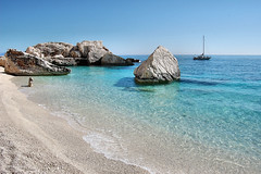 Is puligi de nie (Sante sea) Tags: life sardegna sea italy italia mare sardinia vita calamariolu ispuligidenie