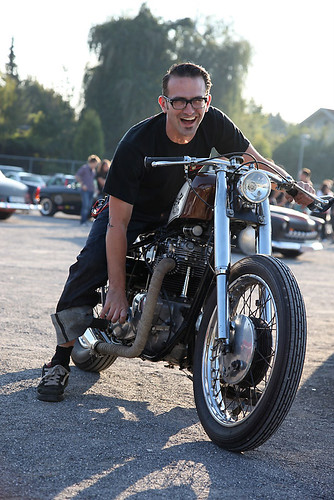 Richard's Triumph by LOWTECH garage photography