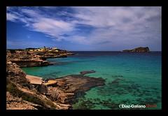 CALA CONTA (DIAZ-GALIANO) Tags: sea españa canon island mar holidays isla vacaciones parachute 30d blueribbonwinner coth supershot bej ibizaspain diazgaliano coth5 ¨calaconta¨
