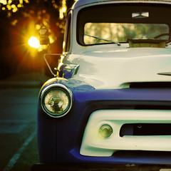September Sun (Standard Deluxe) Tags: sunset sun sunlight truck vintage 50mm 50l canonef50mmf12lusm
