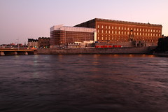 Stockholm Royal Palace at Dusk (AdurianJ) Tags: pictures night canon evening europa europe sweden stockholm dusk nordic scandinavia suecia manfrotto lenses    nrdico escandinavia    canon7d manfrotto055cxpro4 498rc2