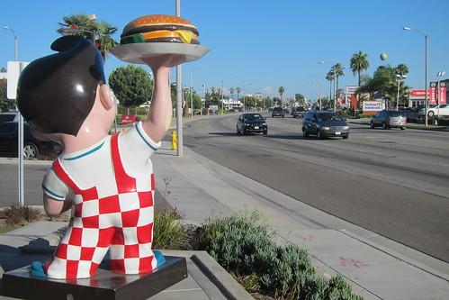 Bob's Big Boy: Bob Statue