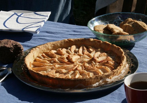 apple tart with marzipan