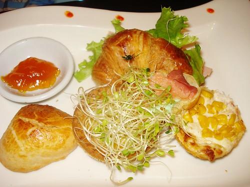 Croissont Sandwich