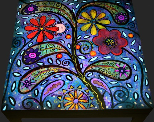 Paisley Design Coffee/Side/End Table 22'' x 22'' x 17.7'' by Rick Cheadle Art and Designs