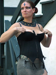 P9108449 (FirstPerson Shooter) Tags: king boobs contest ren faire nsfw cleavage richards wenches