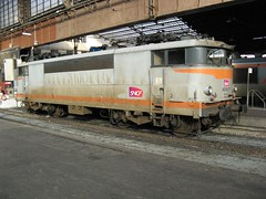 9217 at Gare d'Austerlitz, 9.11.2006 (Woodvale) Tags: paris france train railway sncf garedausterlitz bb9200