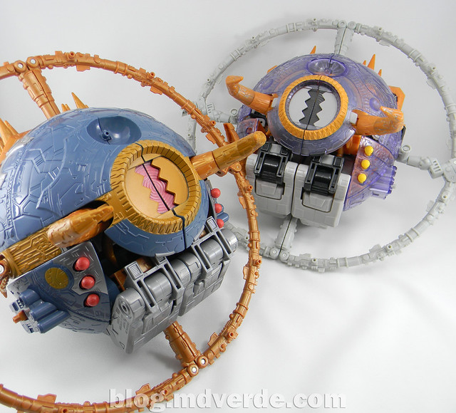 Transformers Unicron Generations Supreme - modo alterno vs Unicron Armada