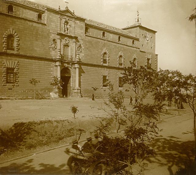 Hospital Tavera en 1916. Fotografía de Luis Calandre Ibáñez