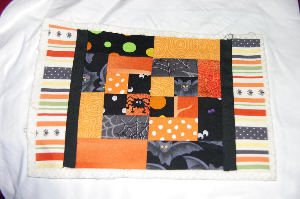 possible halloween mug rug for swap