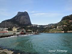CANAL DA BARRA... (sfleming2) Tags: gua riodejaneiro mar barradatijuca casas montanhas ondas