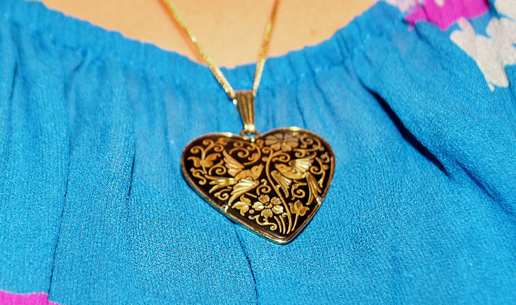 Vintage Heart Pendant - Gold Inlay - Birds - Floral