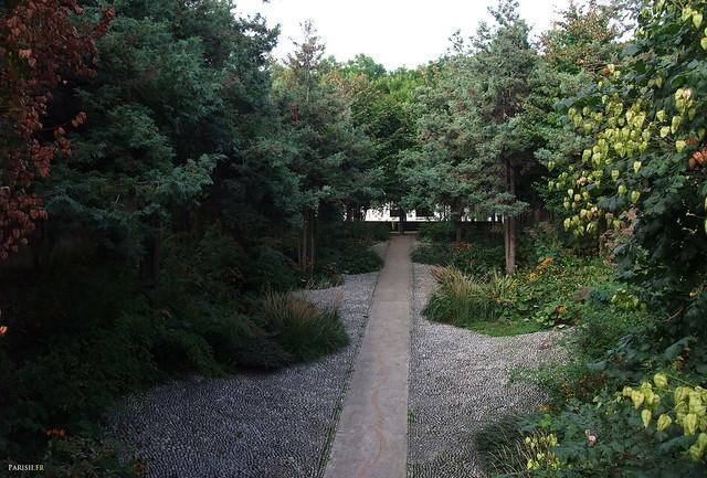 Plusieurs jardins à thème sont dans l'enceinte du parc