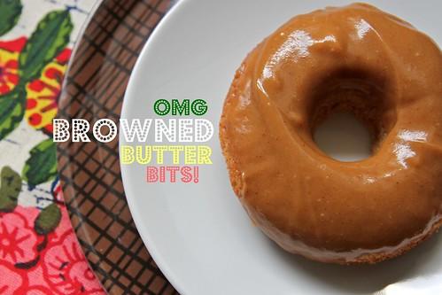 baked banana doughnuts w/ pb frosting