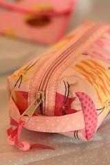 Estojo gatinhos.. (Isabella Regis Morais) Tags: cats pencil sewing kittens case fabric fernando gatinhos estampa tecido maluhy
