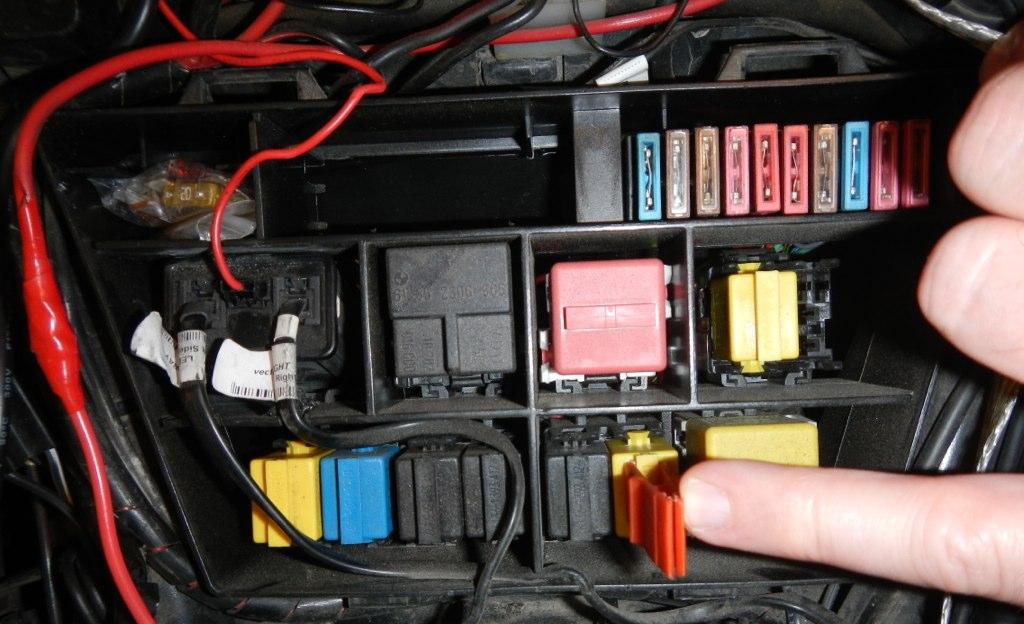 R1150rt Headlight Fog Light Guidance Factory Twt Forums Rh Twtex Com 2004 BMW Fuse Box: BMW 1150 Gs Fuse Box Diagram At Hrqsolutions.co