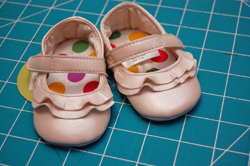 01 Glitter Shoes