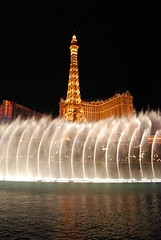 Paris hotel & Bellagio fountain