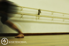 Metamorfosis (JoseTenorio) Tags: longexposure dance costarica arte artistic danza overexpose barrido metamorfosis fotografaexperimental josetenoriophotography